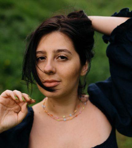 """Фотографка Діана Андруник про проєкт """"Не така як інші вона"""": «Хочу розмити уявну лінію між стандартами краси»-430x480"""