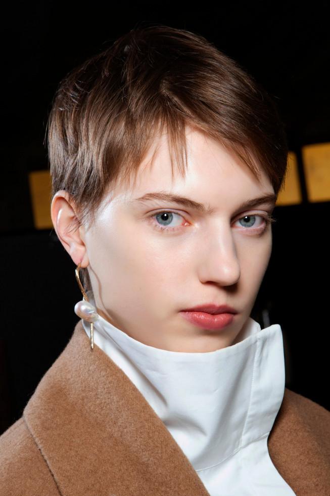 Эльфийская история: Как выглядит самая модная стрижка осени 2020-Фото 8