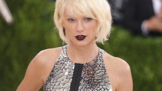 Тейлор Свифт стала первой женщиной-певицей, удостоенной премии VMA за лучшую режиссерскую работу-320x180