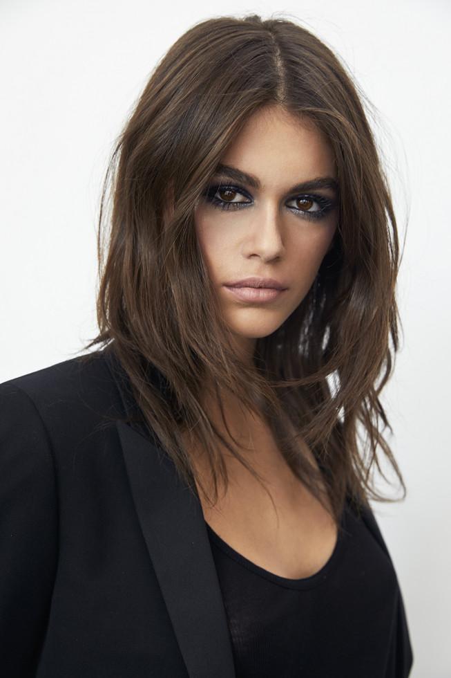Beauty-тренды: Кайя Гербер демонстрирует самое модное окрашивание 2020 года-Фото 1
