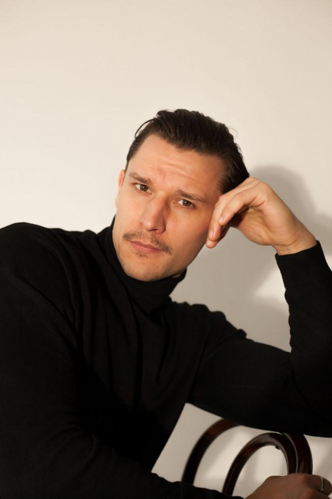 Мужчина говорит: актер Тарас Цымбалюк-Фото 3