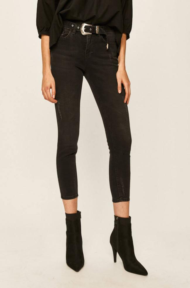Деним-десант: Где купить 7 актуальных моделей джинсов на осень 2020-Фото 4