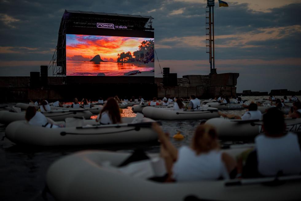 Как прошел самый стильный ивент 2020 – кинопоказ на волнах от IQOS, DTF и Планеты кино-Фото 8