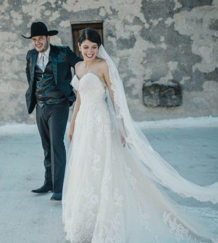 10 самых красивых свадебных платьев 2020 года-430x480