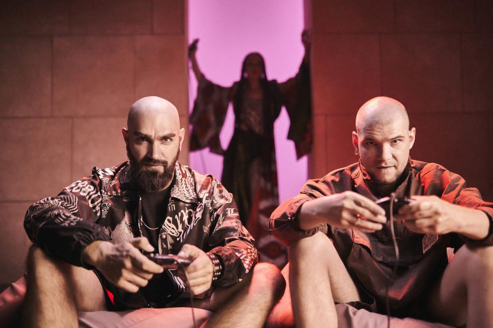 The HARDKISS і MONATIK представляють пісню і відео «Кобра» — історію про небезпечні зв'язки-Фото 2
