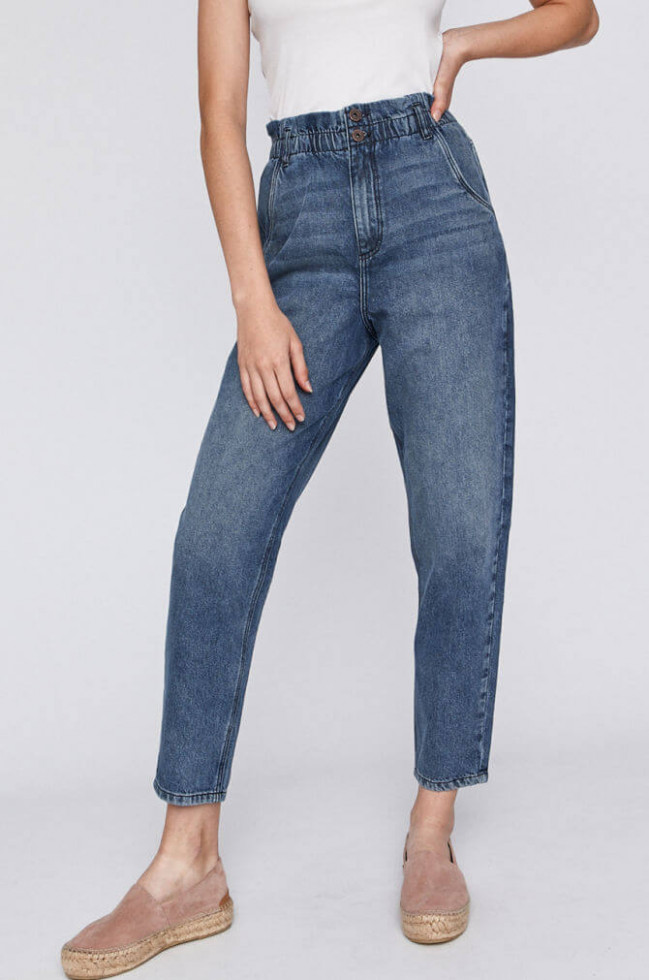 Деним-десант: Где купить 7 актуальных моделей джинсов на осень 2020-Фото 7