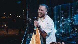 Гурт БЕZ ОБМЕЖЕНЬ відіграв автомобільний концерт на території аеропорту Бориспіль!-320x180