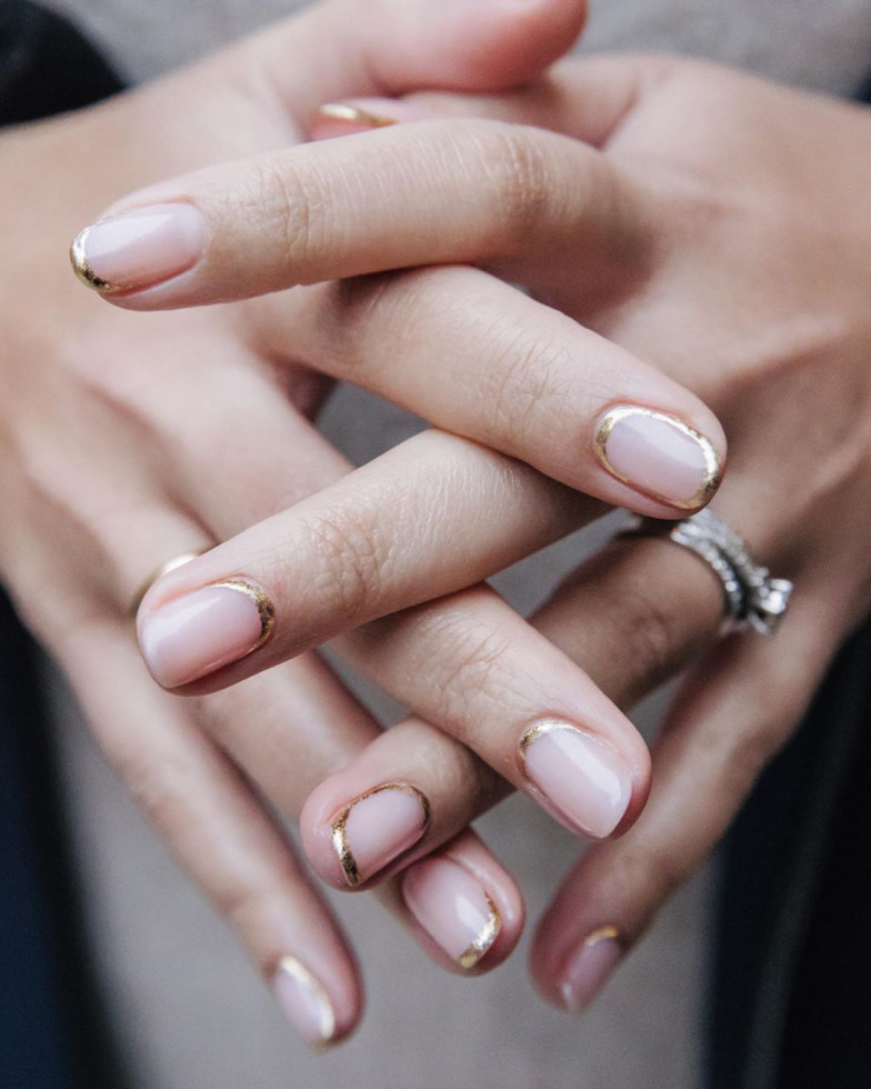 Минималистичные идеи для свадебного маникюра-Фото 1