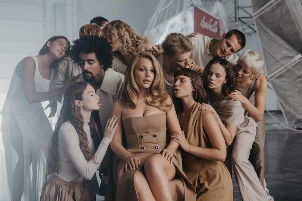 Тина Кароль выпустила альбом и клип-трилогию «Найти своих»-Фото 1
