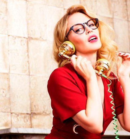 Наши повсюду: Кайли Миноуг вышла в платье украинского бренда NADYA DZYAK-430x480