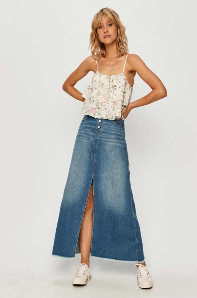 Жизнь в дениме: Самая универсальная юбка 2020 – 6 стильных сочетаний-Фото 9