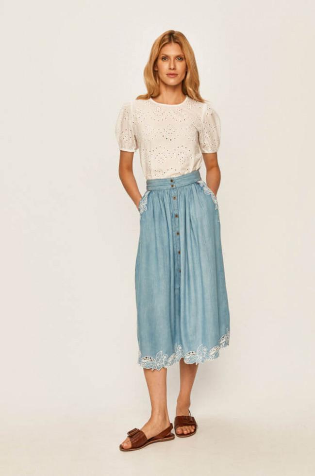 Жизнь в дениме: Самая универсальная юбка 2020 – 6 стильных сочетаний-Фото 12