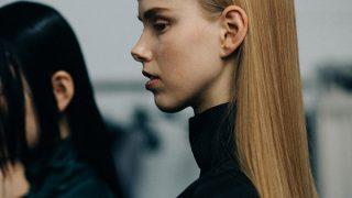 Микромода: Черты самой модной челки 2020 — по стопам Холли Голайтли-320x180