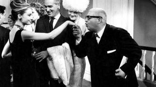 По стопам Коко: 10 легендарных маленьких черных платьев в кинематографе-320x180