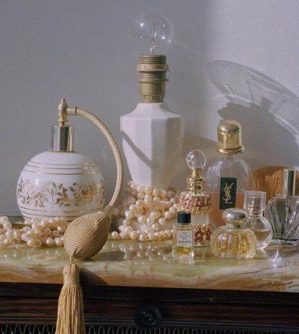Запах женщины: 7 ароматов, как у знаковых киногероинь-430x480