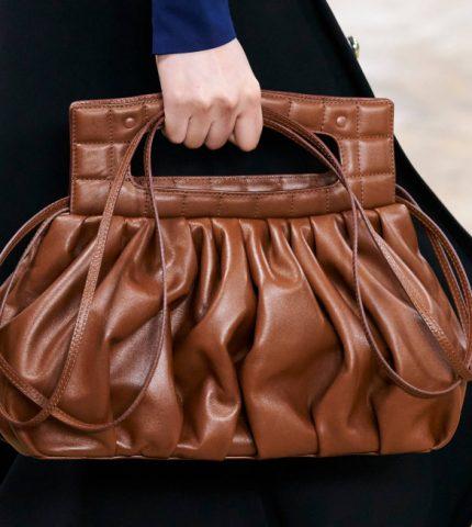 Ручная кладь: 10 самых модных форматов сумок сезона осень-зима 2020-430x480