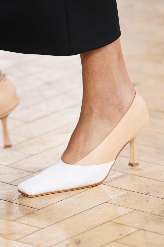 Главная покупка сентября: Самые стильные туфли осени 2020-Фото 10