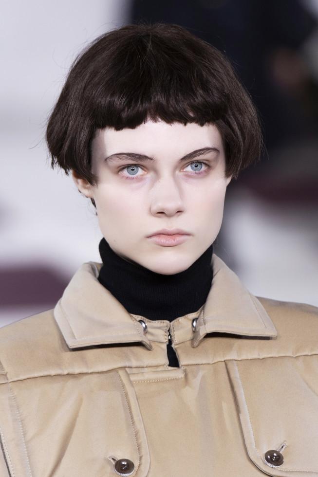 Микромода: Черты самой модной челки 2020 — по стопам Холли Голайтли-Фото 7