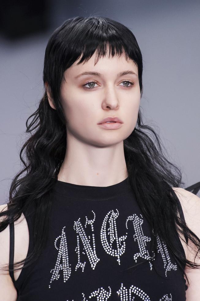 Микромода: Черты самой модной челки 2020 — по стопам Холли Голайтли-Фото 4