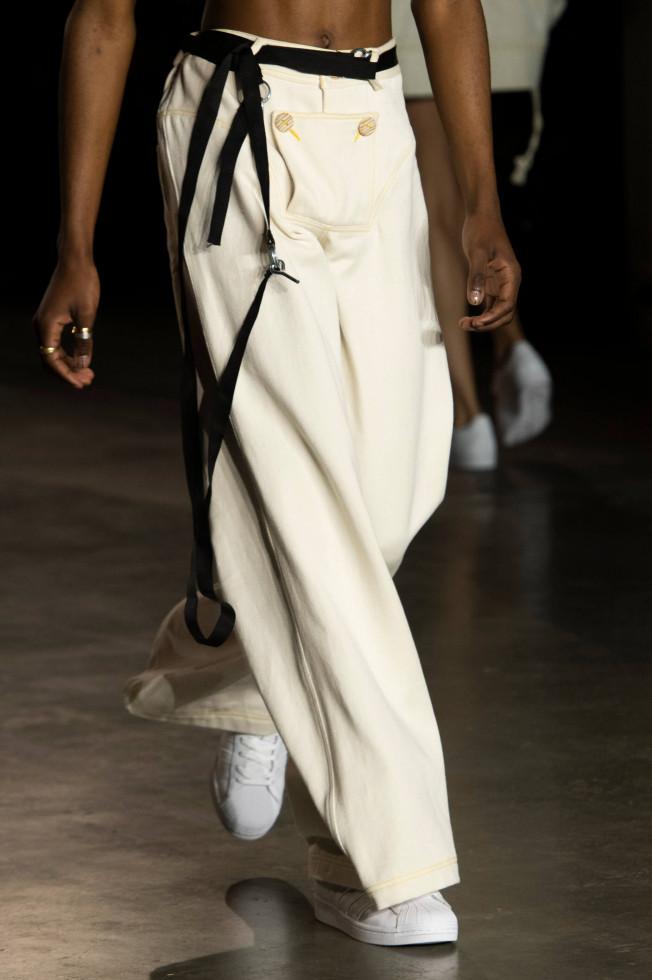 Легкий шаг: 9 самых модных моделей кроссовок 2020 года-Фото 2