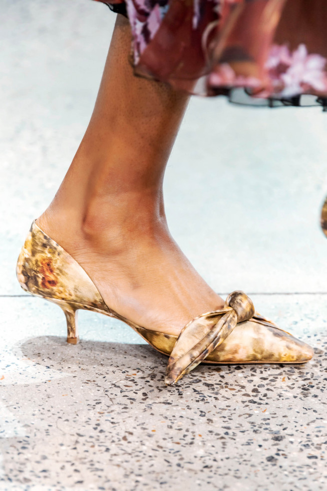 Главная покупка сентября: Самые стильные туфли осени 2020-Фото 13