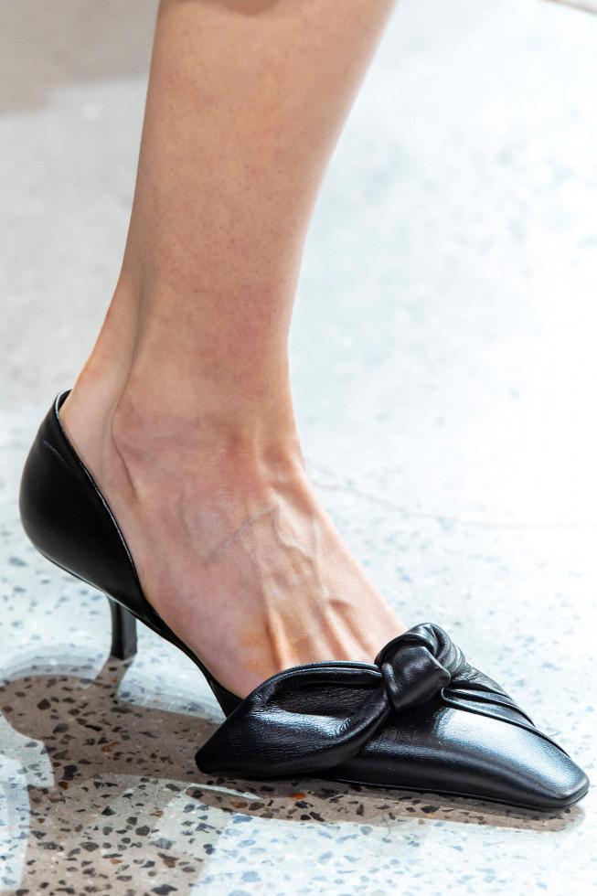 Главная покупка сентября: Самые стильные туфли осени 2020-Фото 14