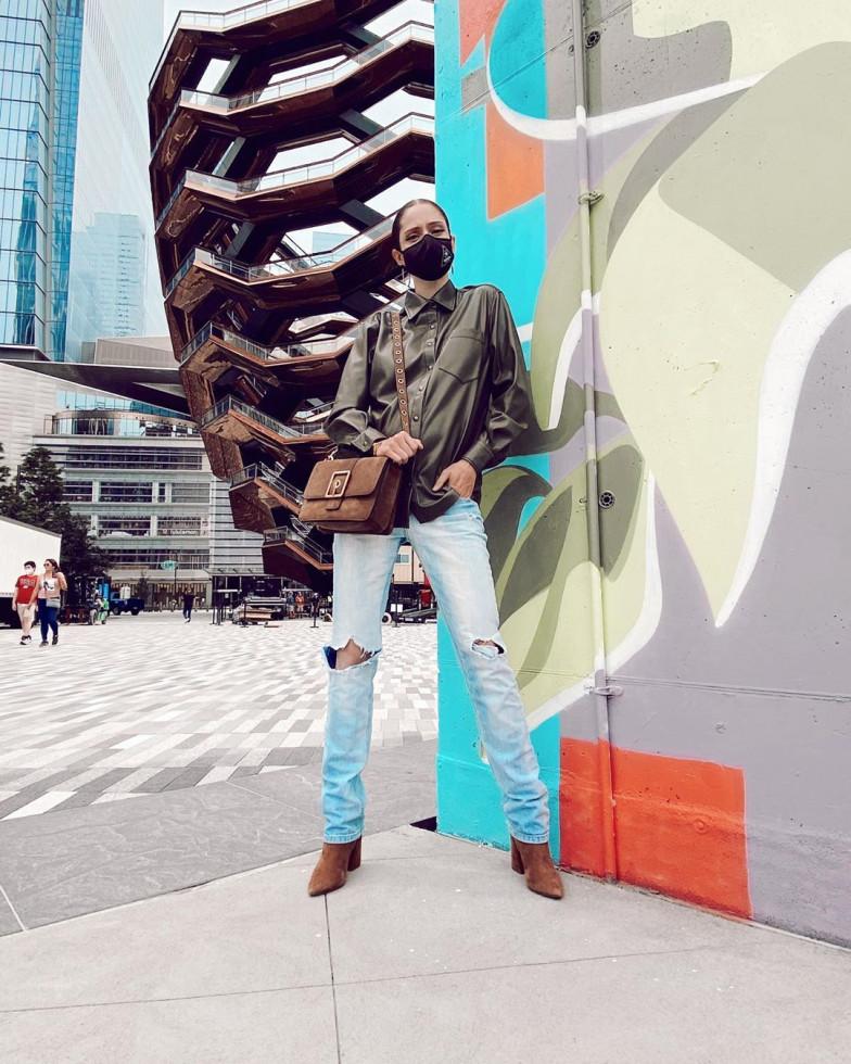 Модель Коко Роша выбирает одежду украинского бренда MONAMOON-Фото 1