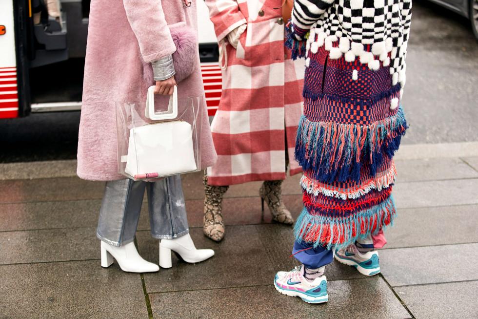 Микротренд: Деталь осеннего образа, которая выведет вас в лидеры fashion-гонки-Фото 1
