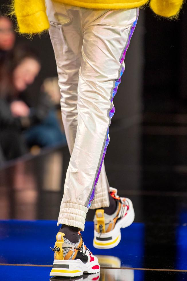 Легкий шаг: 9 самых модных моделей кроссовок 2020 года-Фото 9