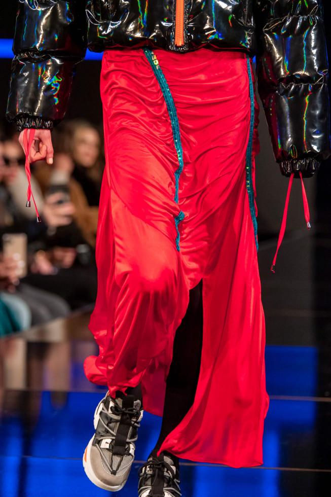 Легкий шаг: 9 самых модных моделей кроссовок 2020 года-Фото 6