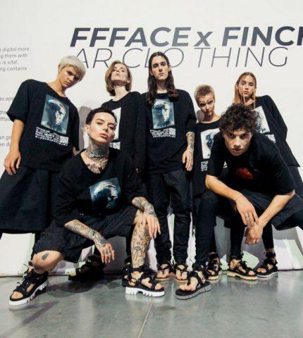 В Украине состоялся первый показ полу-цифровой одежды в рамках Ukrainian Fashion Week-430x480