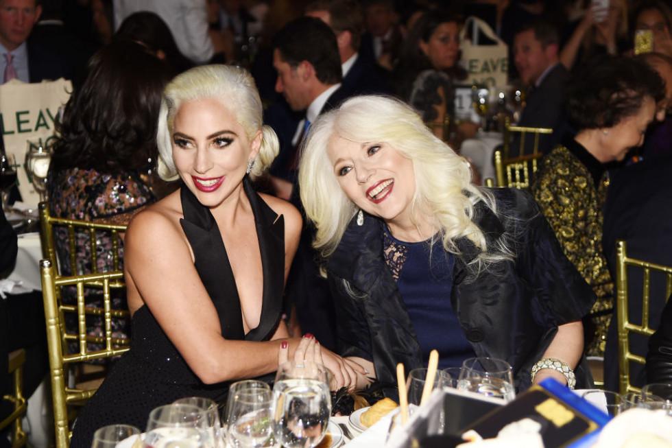 Леди Гага рассказала о болезненных детских воспоминаниях-Фото 1