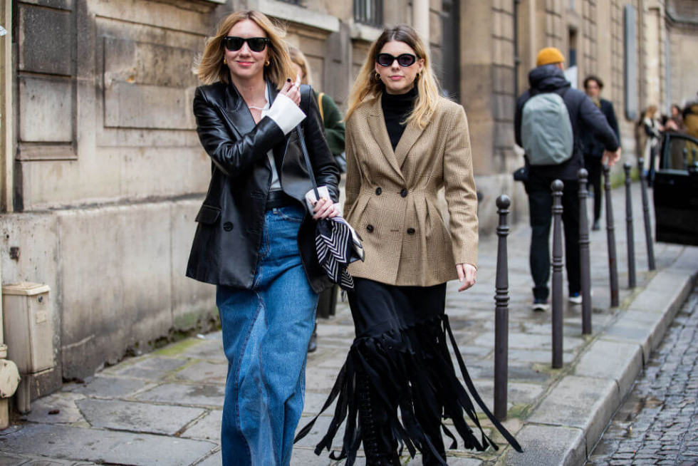 Жизнь в дениме: Самая универсальная юбка 2020 – 6 стильных сочетаний-Фото 1