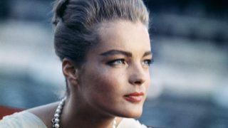 Забытые лица: Икона стиля Роми Шнайдер — женственность через призму трагизма-320x180