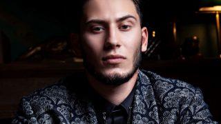 Мужчина говорит: певец и блогер Samvel-320x180