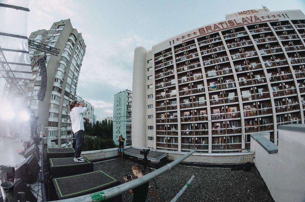 ТНМК про сингл «Контакт», інопланетних жінок та вертикальні концерти-Фото 2
