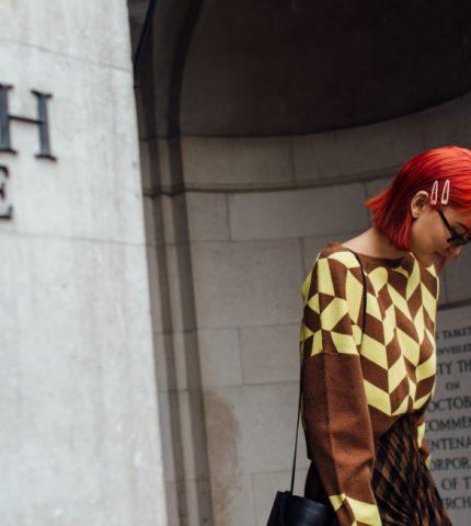 Тренд с характером: 10 актуальных «орнаментальных» свитеров осени 2020-430x480