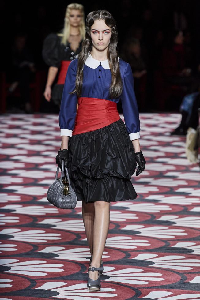 Самое модное платье осени 2020 — стильный нюанс для теплого дня-Фото 14