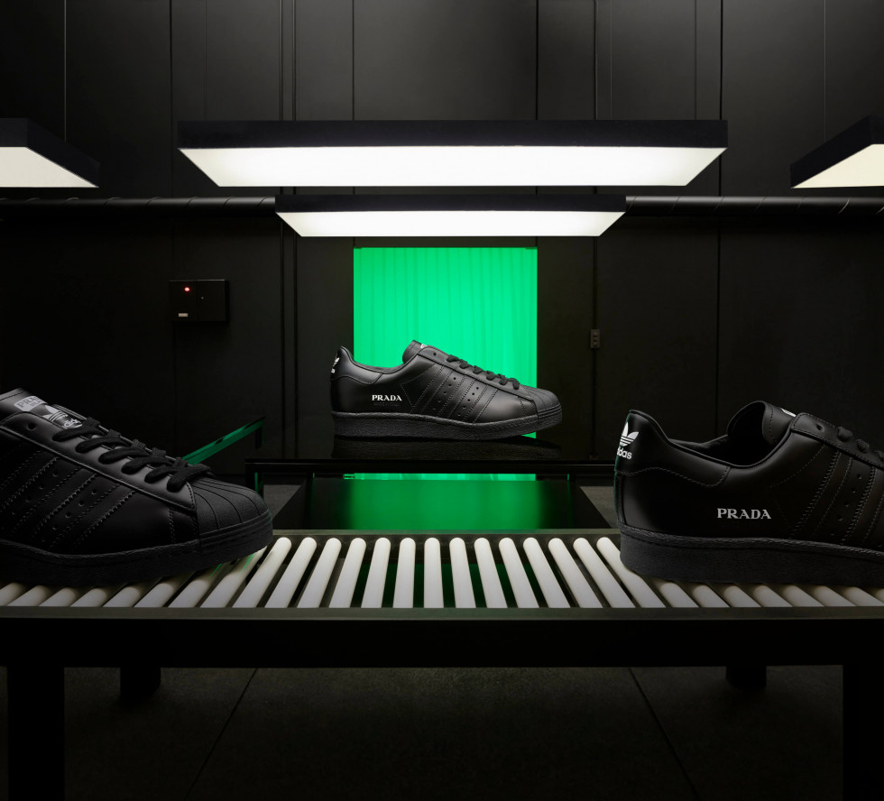 Prada и adidas Originals представляют вторую часть коллекции Prada Superstar, произведенную Prada-Фото 1