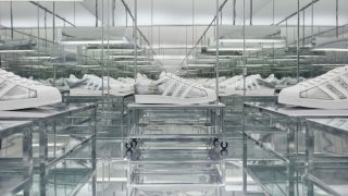 Prada и adidas Originals представляют вторую часть коллекции Prada Superstar, произведенную Prada-320x180