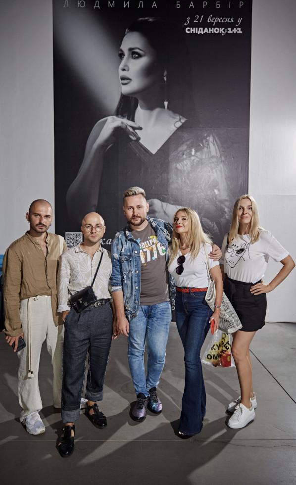 На відкритті Ukrainian Fashion Week був представлений портрет телезірки Людмили Барбір-Фото 2