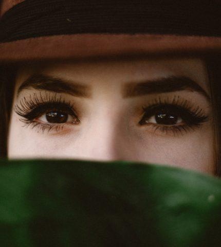 Очи жгучие: Выбираем идеальную тушь по форме кисточки-430x480