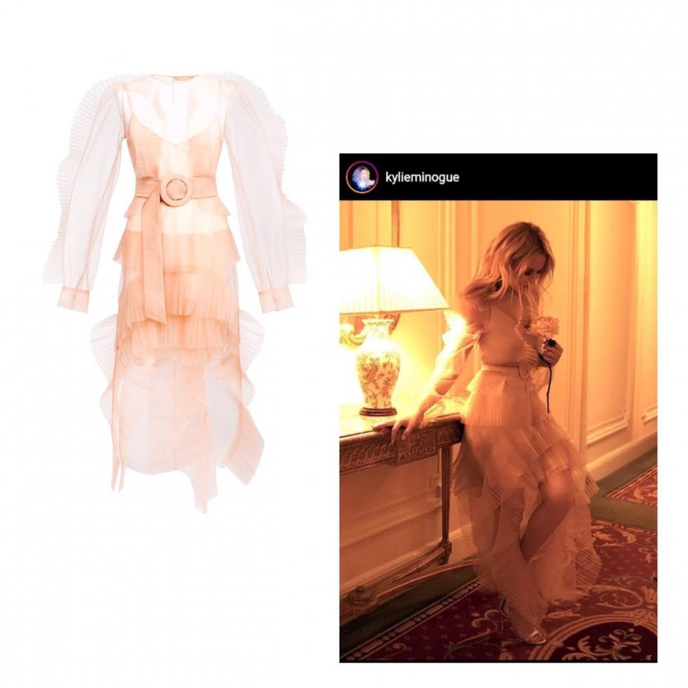 Наши повсюду: Кайли Миноуг вышла в платье украинского бренда NADYA DZYAK-Фото 2