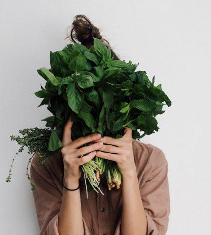 Главные продукты питания для здоровой кожи лица-430x480