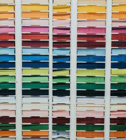 Палетка цветов: Pantone объявил 10 самых популярных оттенков сезона весна-лето 2020-430x480
