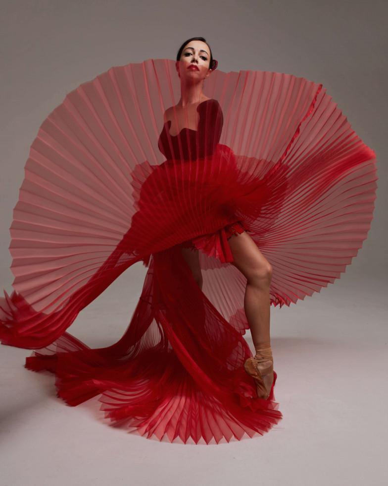 Бренд GUDU создал костюмы для Екатерины Кухар и Александра Стоянова в балете «Кармен-сюита»-Фото 1