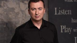 Мужчина говорит: Автор «Студии-Квартал-95» Валерий Жидков-320x180