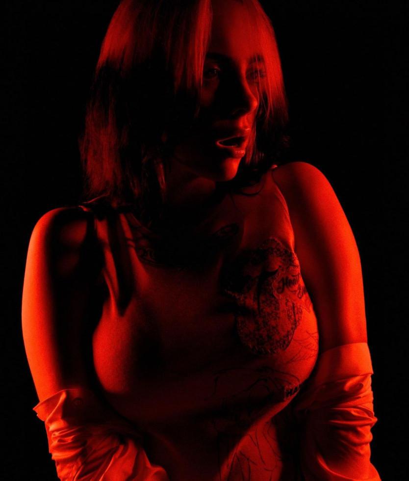 Долой бодишейминг: Билли Айлиш ответила тем, кто раскритиковал ее фигуру-Фото 1