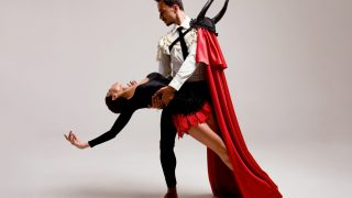 Бренд GUDU создал костюмы для Екатерины Кухар и Александра Стоянова в балете «Кармен-сюита»-320x180