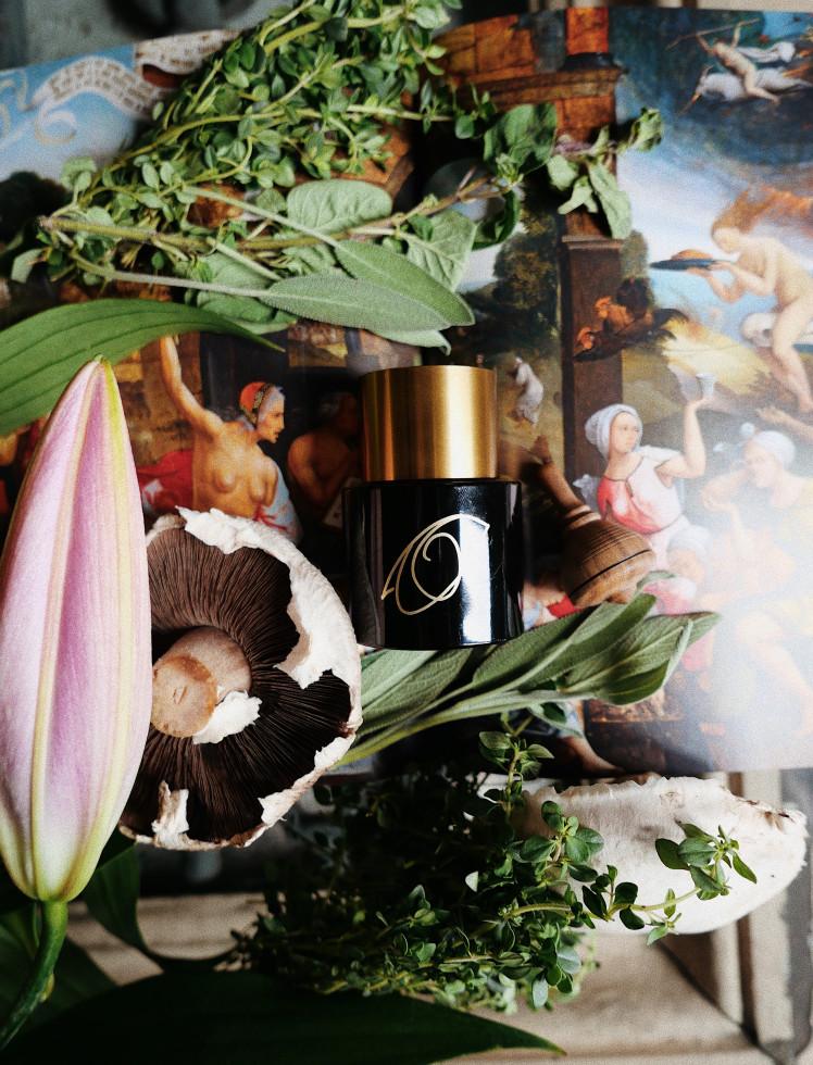 Дьявольская красота: Колдовские ароматы для женщин-вамп-Фото 1